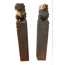Fu Dog Tempel Löwe Paar Marmor auf Säule Bildhauerarbeit