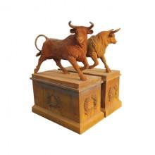 Skulptur Stier Toro Statue Klassik Gußeisen rostbraun