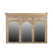 Indien breiter Spiegel heller Holzrahmen gefertigt von antikem Fensterbogen