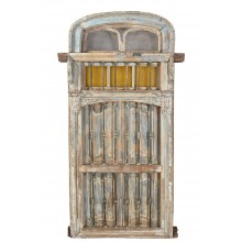 India 1920 mächtige Eingangstür Tor mit Rundbogen aus Holz und Metallbeschlägen Gujarat