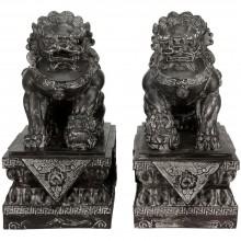 Asien mächtiges Löwen Paar Foo Dog Tempel Wächter auf Sockeln schwarzer Marmor