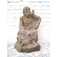 Skulptur der Lauschende Mönchsfigur buddhistisch Pappel rund 90 Jahre alt von Luxury Park