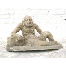 Skulptur Greis alter Mann Lazarus buddhistisch Pappel rund 80 Jahre alt von Luxury Park